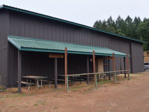 Risin' W Corral barn and instructional area